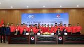 Lãnh đạo VFF chụp ảnh lưu niệm cùng các học viên tham dự khóa học