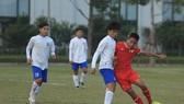 PVF (áo đỏ) thắng cách biệt 3-1 trước An Giang
