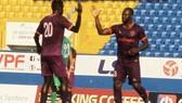 Omar và Ali, tác giả 2/3 bàn thắng của B.Bình Dương trước Bình Phước. Ảnh: BFC