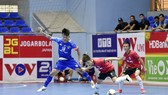 Sahako (áo xanh) tiếp tục thể hiện phong độ ổn định
