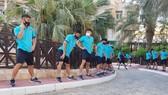 Đội tuyển Việt Nam tại buổi tập ở khuôn viên khách sạn