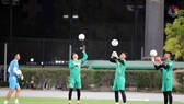 Tìm thủ môn đạt sự tin cậy như Văn Lâm 2 năm trước là điều không dễ cho ông Park lúc này.