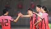 Niềm vui của các cầu thủ Hàn Quốc