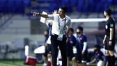 HLV Tan Cheng Hoe vẫn chưa thắng được thầy Park. Ảnh: KHƯƠNG DUY