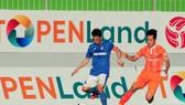 Topenland Bình Định và Than QN là hai đội ủng hộ VPF lùi giải đấu sang đầu năm sau