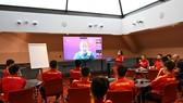 Đại diện FIFA, BTC giải phổ biến Điều lệ đến với đội tuyển futsal Việt Nam