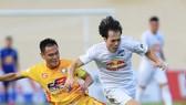 V-League 2021: HA.GL không được nhận Cúp vô địch, SLNA may mắn thoát rớt hạng