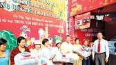Thiên Hòa trao quà cho các gia đình có hoàn cảnh khó khăn tại Gò Vấp