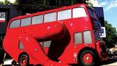 Xe buýt 2 tầng thành robot