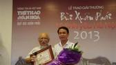 Photographer Quang Phung wins 'Bui Xuan Phai-Love for Hanoi' Award