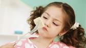 Cách nào giúp trẻ hết biếng ăn?