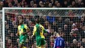 """Norwich """"ẵm"""" trọn 3 điểm tại Old Trafford"""