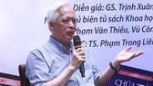 Giáo sư Trịnh Xuân Thuận giao lưu cùng bạn đọc TPHCM