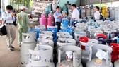 Từ 1-1, giá gas tăng 21.000 đồng/ bình 12kg