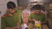 Bắt đối tượng tuồn hơn 11 tấn hạt nêm, bột ngọt giả về Đắk Lắk
