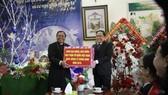 Chủ tịch Ủy ban Trung ương MTTQ Việt Nam chúc mừng Giáng sinh tại Đắk Lắk