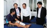 Đắk Lắk tặng 3.000 suất quà, 7 tấn quần áo cho gia đình chính sách, khó khăn