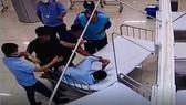 Nhóm thanh niên đánh bảo vệ bệnh viện rồi gây tai nạn chết người