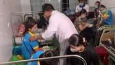 Gần 100 công nhân nhập viện nghi ngộ độc thực phẩm
