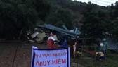 Sạt lở núi, vùi lấp nhiều căn nhà ở Đắk Lắk