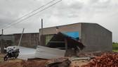 Mưa lớn kèm theo gió lốc gây tốc mái nhiều căn nhà ở Đắk Lắk