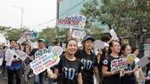 Đà Nẵng: Gần 500 bạn trẻ và người dân tham gia mít tinh hưởng ứng Giờ Trái đất 2019