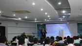 """Ông Phạm Thế Trường, Tổng giám đốc Microsoft Việt Nam giới thiệu về """"Microsoft và chuyển đổi số chính quyền"""""""