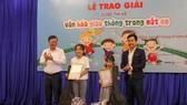 Hội đồng chấm giải đã chọn ra 2 tác phẩm đạt giải Nhất thuộc về tác giả Lê Nguyễn Bảo Quyên và Đoàn Nguyên Minh