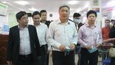 Ông Nguyễn Trường Sơn, Thứ trưởng Bộ Y tế từng buổi làm việc với các lãnh đạo Sở Y tế Đà Nẵng về vấn đề phòng chống dịch Covid-19