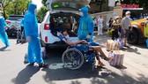 Hỗ trợ 117 bệnh nhân về nhà trên chuyến xe nghĩa tình 0 đồng