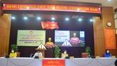 Ông Nguyễn Văn Quảng, Bí thư Thành ủy Đà Nẵng trình bày chương trình hành động tại văn phòng Thành ủy