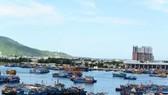 Một tàu cá bị chìm ở Âu thuyền Thọ Quang do không có người túc trực bơm nước