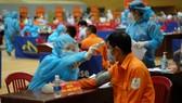 Triển khai tiêm vaccine theo từng đối tượng được ưu tiên