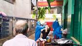 Tổ chức xét nghiệm SAR-CoV-2 ở phường Thanh Bình (quận Hải Châu, TP Đà Nẵng)
