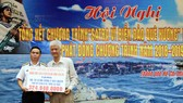 """Ngay trong lễ phát động chương trình """"SATRA vì biển đảo quê hương"""" năm 2018, SATRA đã hỗ trợ gần 325 triệu đồng cho Bộ Tư lệnh Vùng 2 Hải quân để trang bị hệ thống lọc nước"""