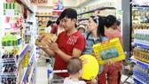 Hàng hóa phục vụ tết ở các siêu thị được chuẩn bị kỹ lưỡng