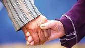 Liệu ly hôn khi tuổi đã già có đúng đắn?