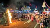 """Đêm hội """"Xuân Biên phòng, ấm lòng dân bản""""  tại vùng biên huyện Nam Giang, tỉnh Quảng Nam"""