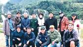 Ê kíp đoàn phim Kiều tại thác Bản Giốc (Cao Bằng)