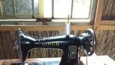 Chiếc máy may cũ