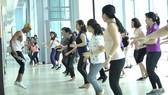 Nhiều phụ nữ tham gia các lớp thể dục để chăm sóc sắc đẹp, giữ gìn vóc dáng