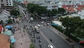 Đường Hoàng Diệu (quận 4), một trong 68 tuyến đường có chuyển biến tốt, vỉa hè thông thoáng. Ảnh: CAO THĂNG