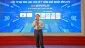 Chủ tịch HĐQT, Tổng Giám đốc Tập đoàn Xây dựng Hòa Bình, ông Lê Viết Hải đang chia sẻ với sinh viên tại Lễ phát động