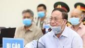 Bị cáo Nguyễn Văn Hiến trong phiên tòa ngày 19-5-2020. Ảnh: THÔNG TẤN QUÂN SỰ