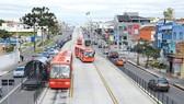 Đường phố ở Curitiba được phân luồng hợp lý, có làn dành riêng cho người đi bộ