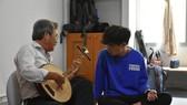 Một buổi học tìm hiểu về ca cổ do Hiếu Văn Ngư tổ chức