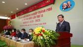 Chủ tịch UBND TPHCM Nguyễn Thành Phong phát biểu tại đại hội. Ảnh: DŨNG PHƯƠNG