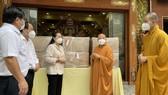 Giáo hội Phật giáo Việt Nam tặng TPHCM 6 máy thở đa năng