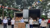 Trao tặng 5.500 túi thuốc đến các F0 cách ly tại nhà