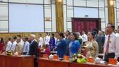 Các đại diểu chào cờ tại Đại hội.